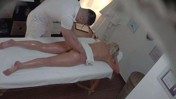 video-skritaya-kamera-v-massazhnom-kabinete