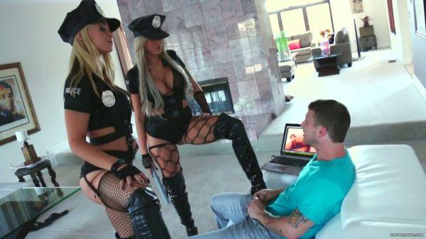 Geile polizisten nackt