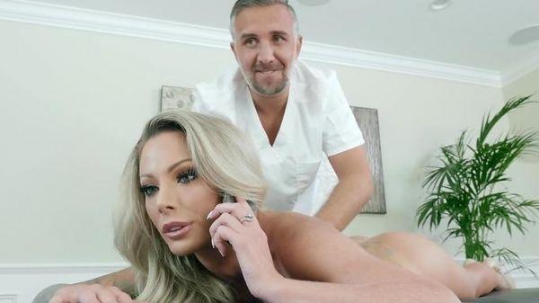 glucklichen kerl bekommt gefickt wahrend der massage
