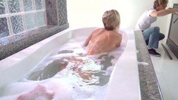 Gefickt Badezimmer Babe das Babe Wird
